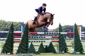 Oliver competing 'Brightly' owned by Sagamore Farms