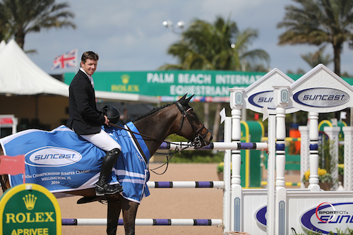 Shane-Sweetnam-and-Buckle-Up-Pres.jpg